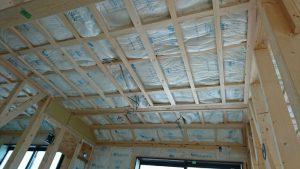 外壁、天井の工事が進んでいます
